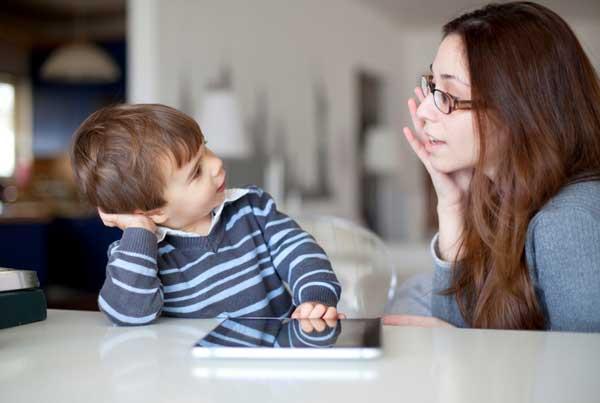 استفاده از گفتار کودکانه