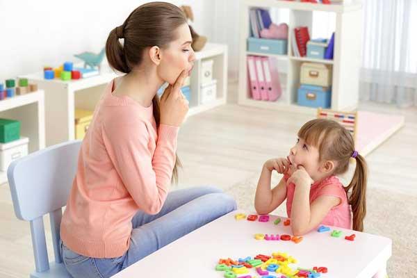 گفتار درمانی در منزل + آموزش و مشاوره رایگان